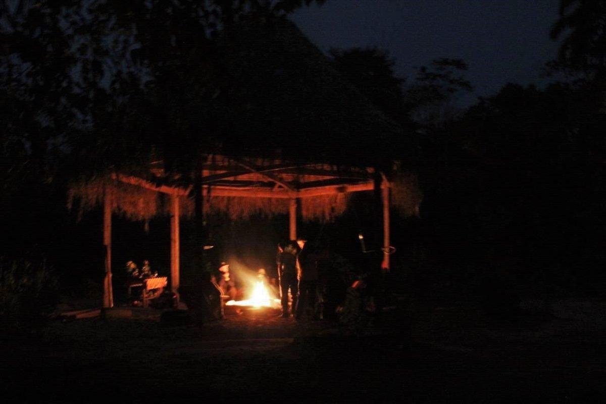 1-temple-night