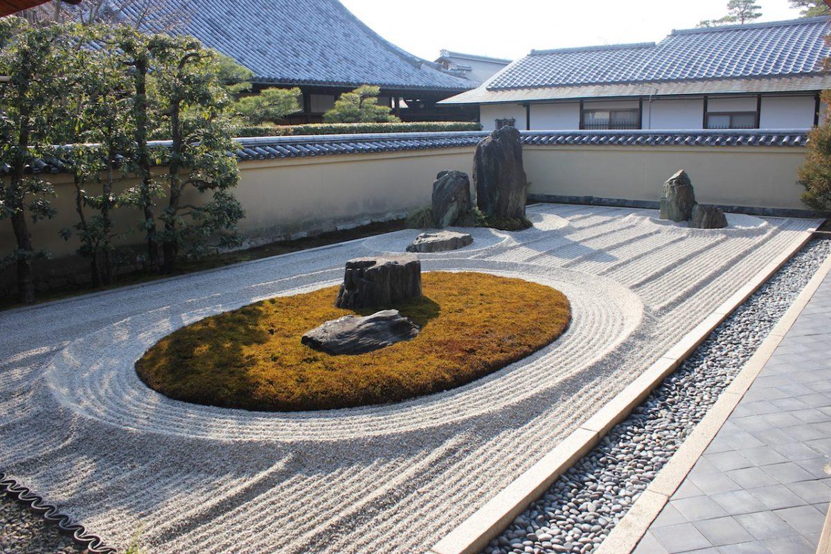 zen rock garden japan
