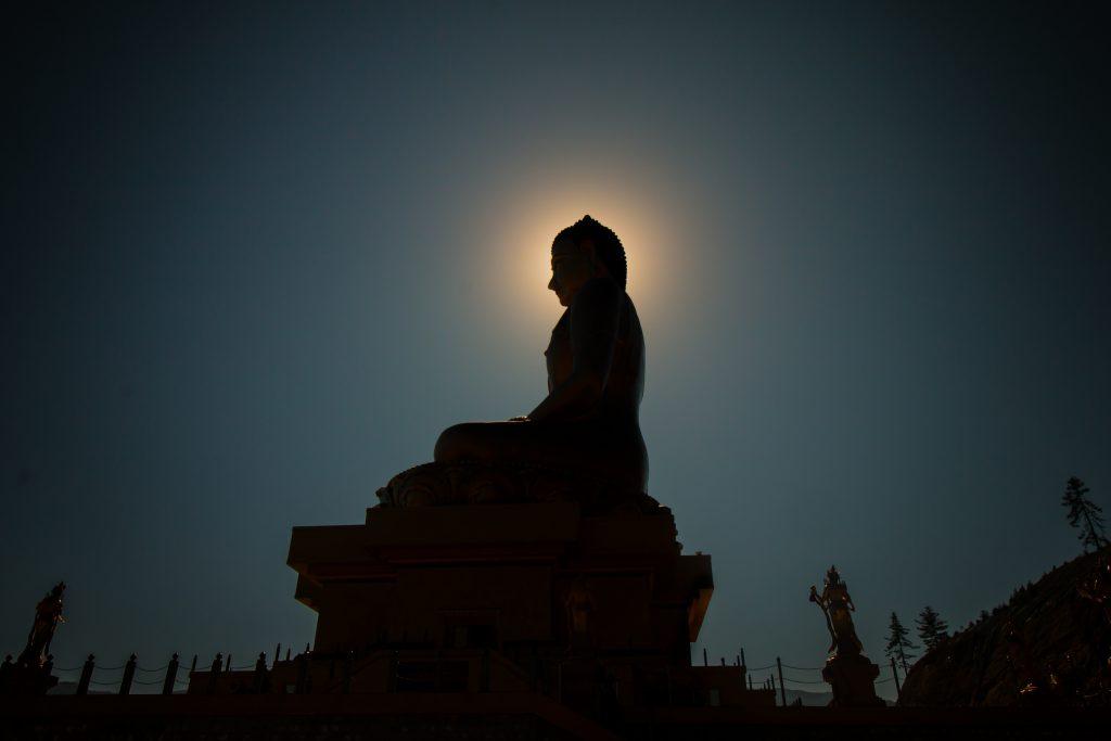buddha statue shadow meditation